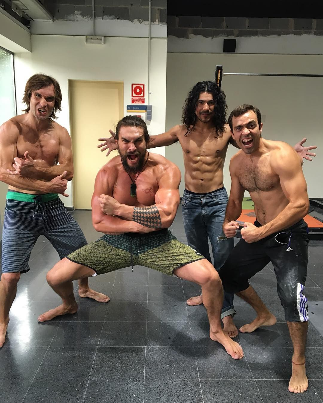 Jason Momoa Exposed: Jason Momoa Has Been Shirtless His Entire Vacation, And We