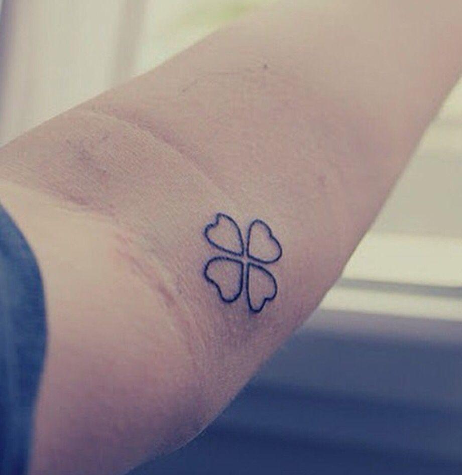 Signification tatouage trefle 4 feuilles - Tatouage trefle a 4 feuille ...