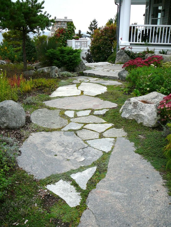 gartenwege gestalten steinplatten gartengestaltung steine blumen ...