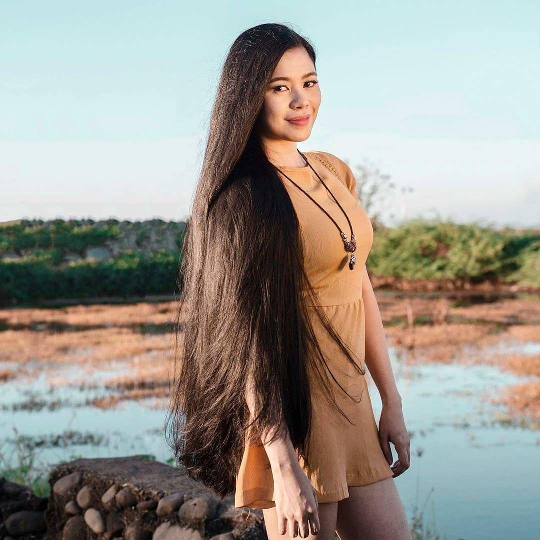 945 Likes 8 Comments Long Hair Saga Longhairsaga On Instagram Beautiful Girl With Long Silky Hair Thank Long Hair Styles Silky Hair Long Silky Hair