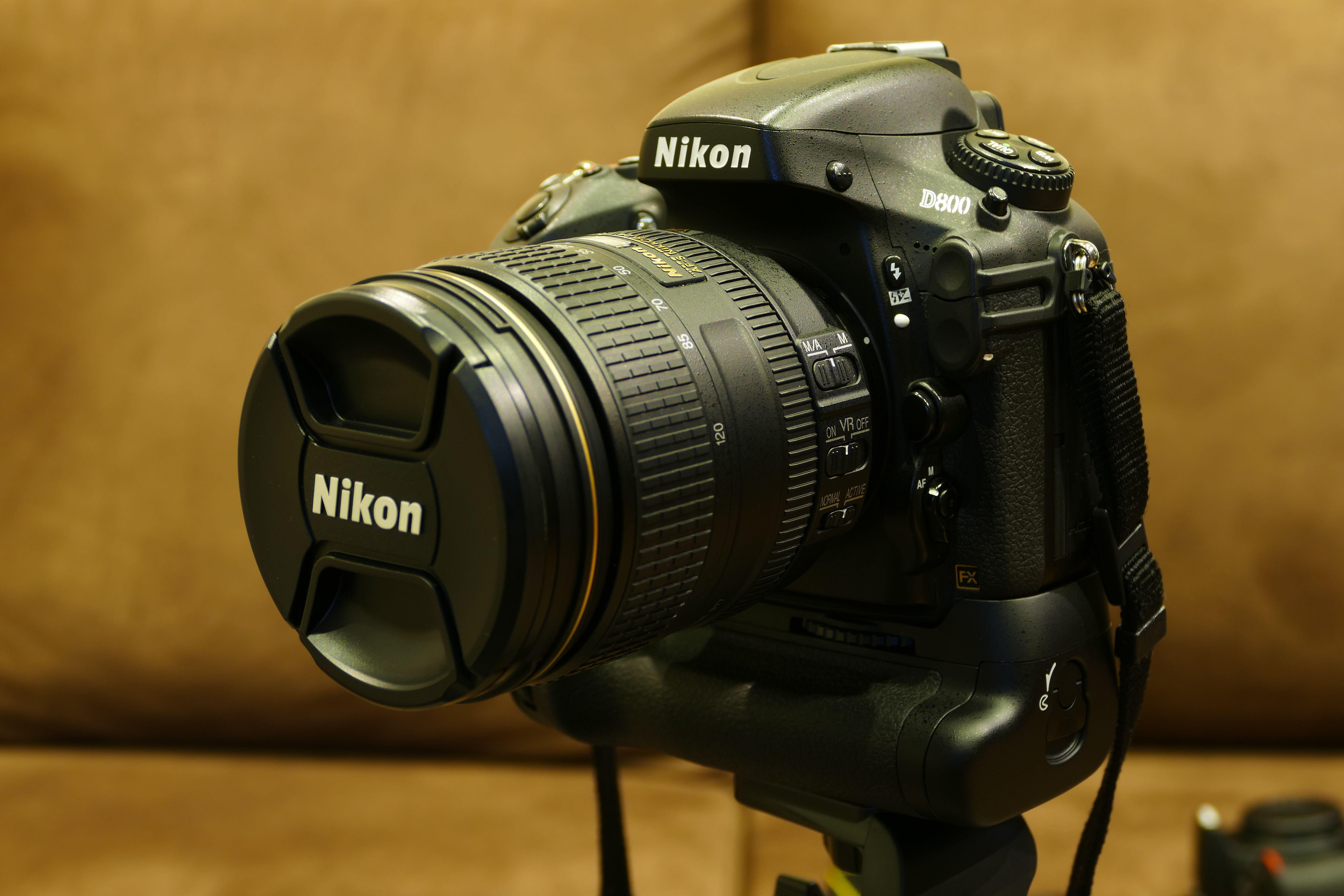 Nikon D800 Nikkor 24 120mm F4 Vr Closed Nikon D800 Nikon Camera Bag