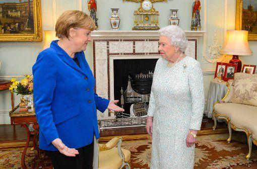 Elizabeth II. in Deutschland: Kanzlerin Merkel sieht Queen-Besuch als ...
