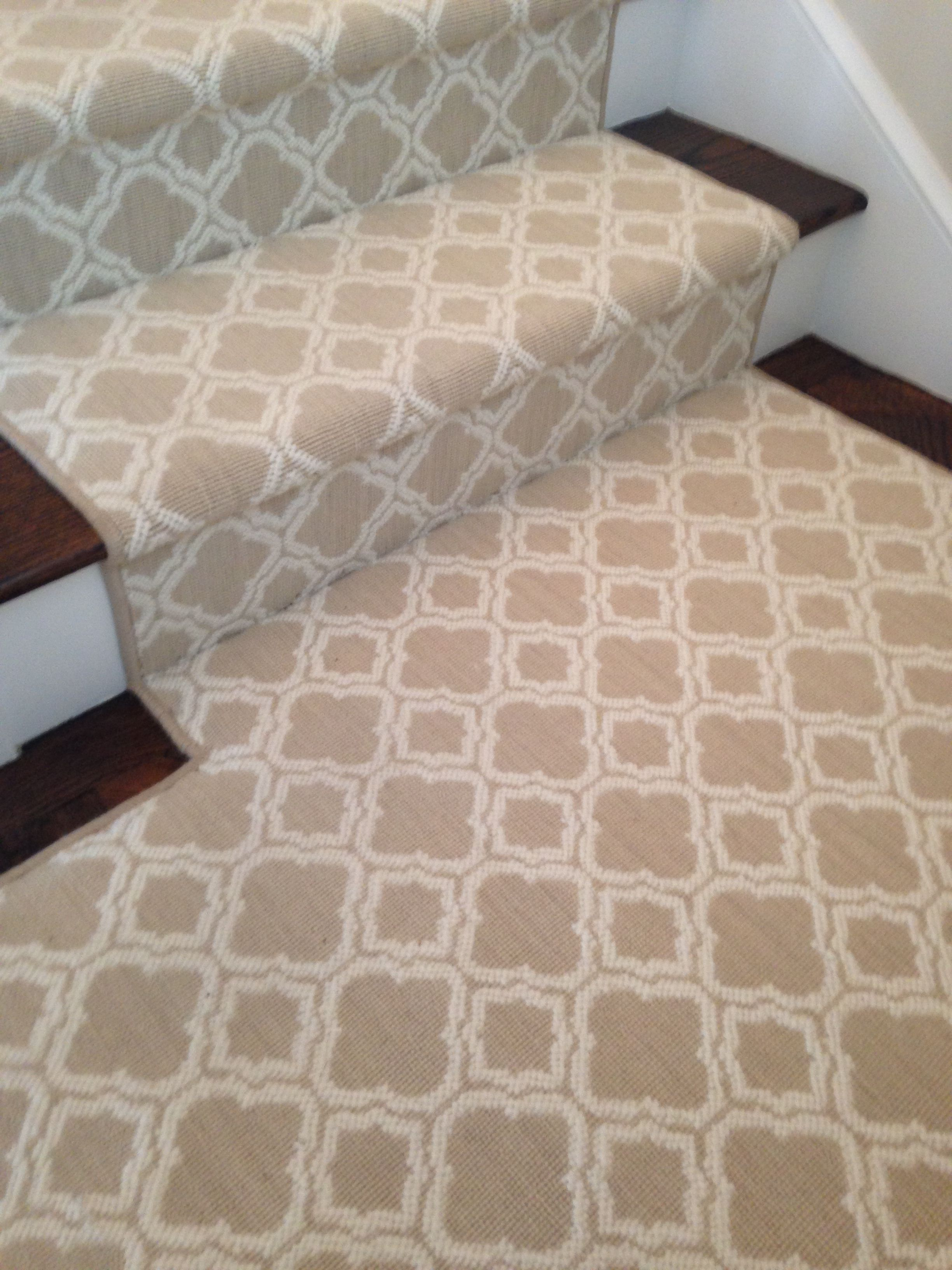 Luxelooms new zealand wool carpet runner carpets for Patterned wall to wall carpet