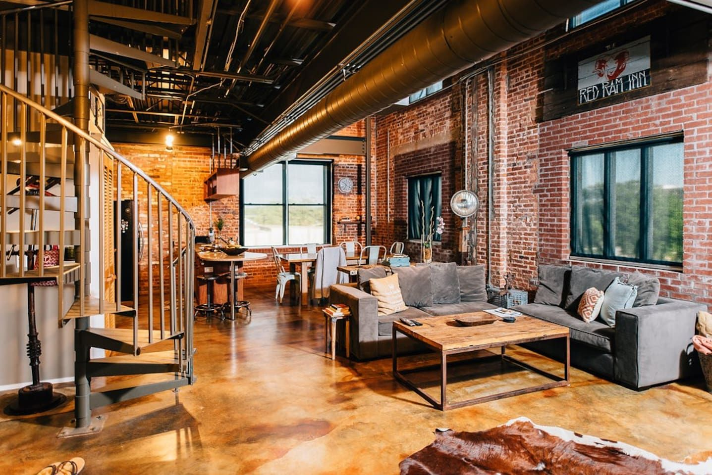 San Marco The Copper Loft Lofts For Rent In Jacksonville Get 25 Credit With Airbnb If You Sign Up With This Link Http Lofts For Rent Vacation Home Loft