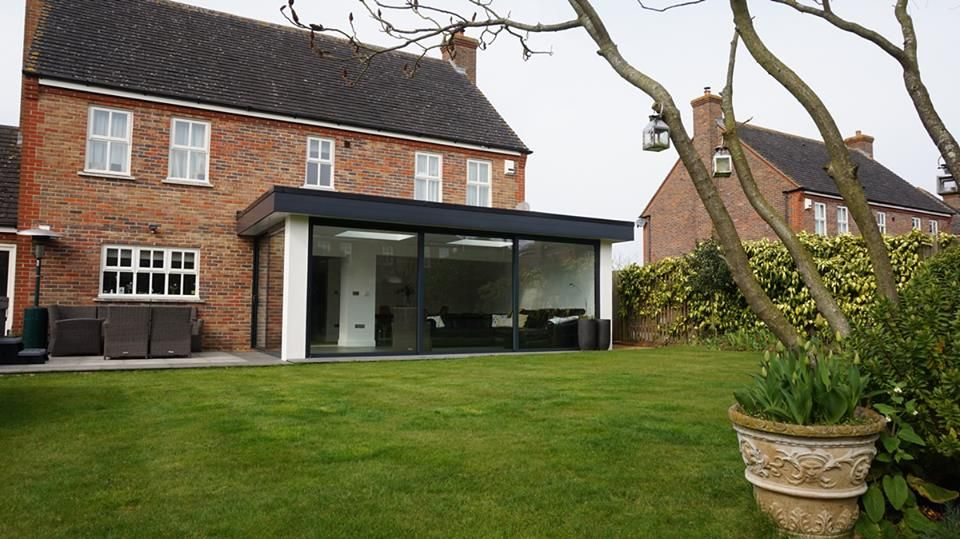 Oliver james garden rooms the flat white extension for Modern garden room extensions