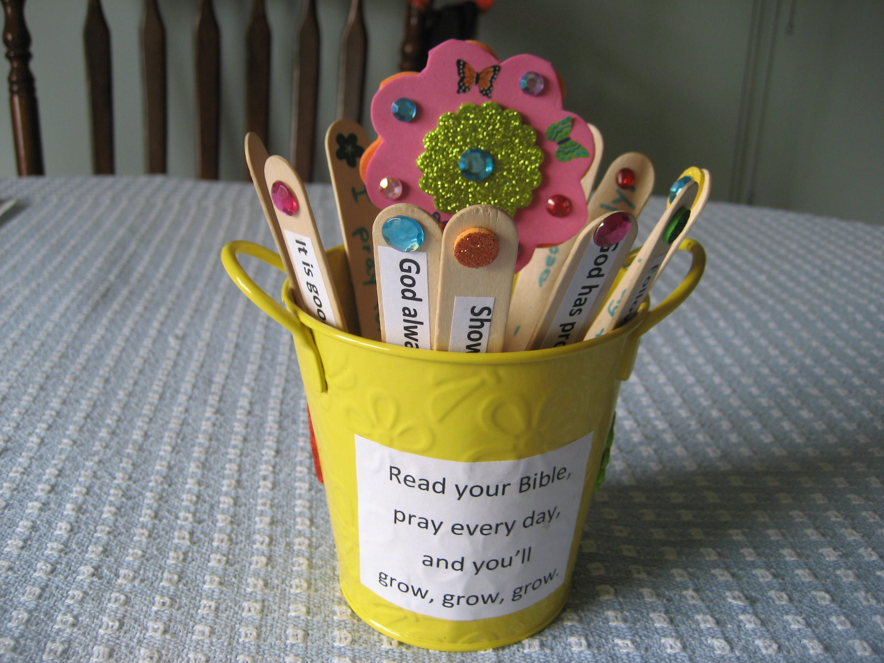 Sunday School Craft Read Your Bible Pray Every Day Bible