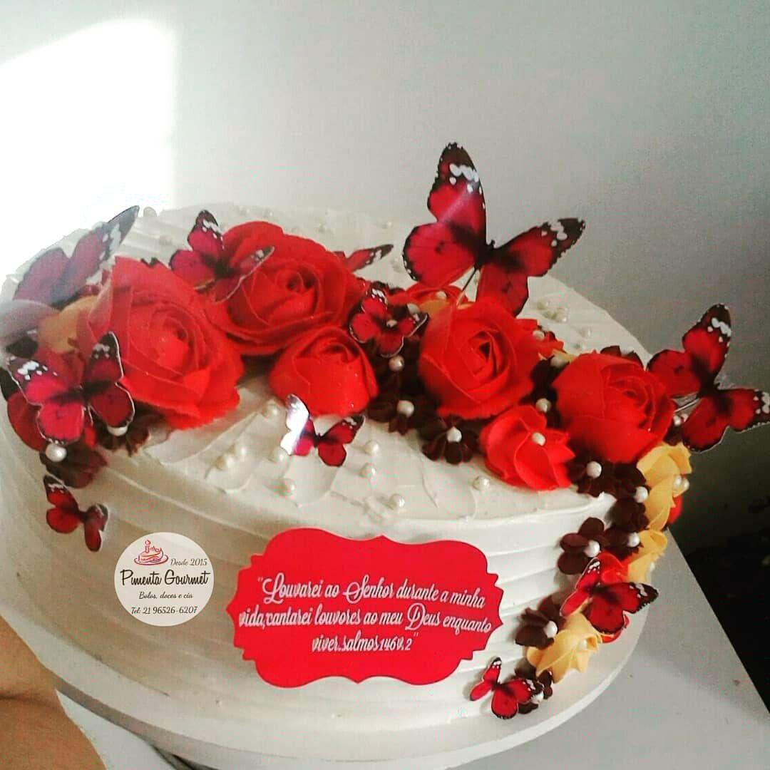 Bolo Com Rosas Em Chantilly E Toppers Borboletas Bolos Decorados