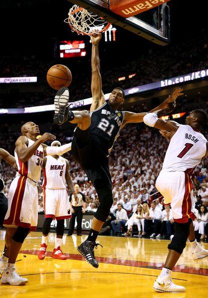 Tim Duncan Photos Photos Nba Finals Game 4 Nba Finals Nba Tim Duncan