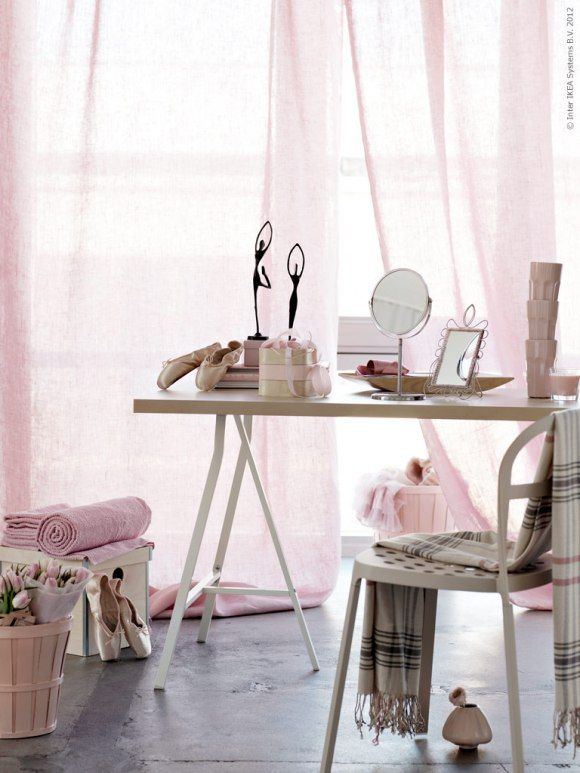 Plenty of space & nicely composed in pale pink / Livethemma | Style ...
