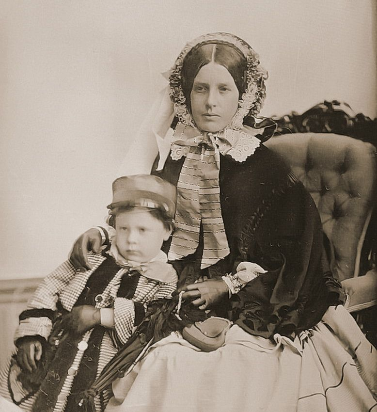Mother and child, 1850s, USA (copy of Daguerreotype) Photographer - copy children's abc coloring pages