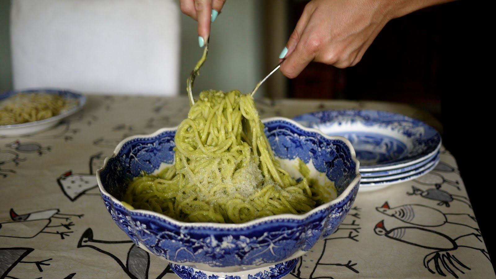 """""""Creamy"""" Avocado Spagetti. Avocados aid fat burning, reduce inflammation & bloating, reduce cholesterol, regulate blood sugar, reduce signs of ageing, improve bad skin, work to prevent and fight cancer & heart disease.   They're also freaking delicious."""