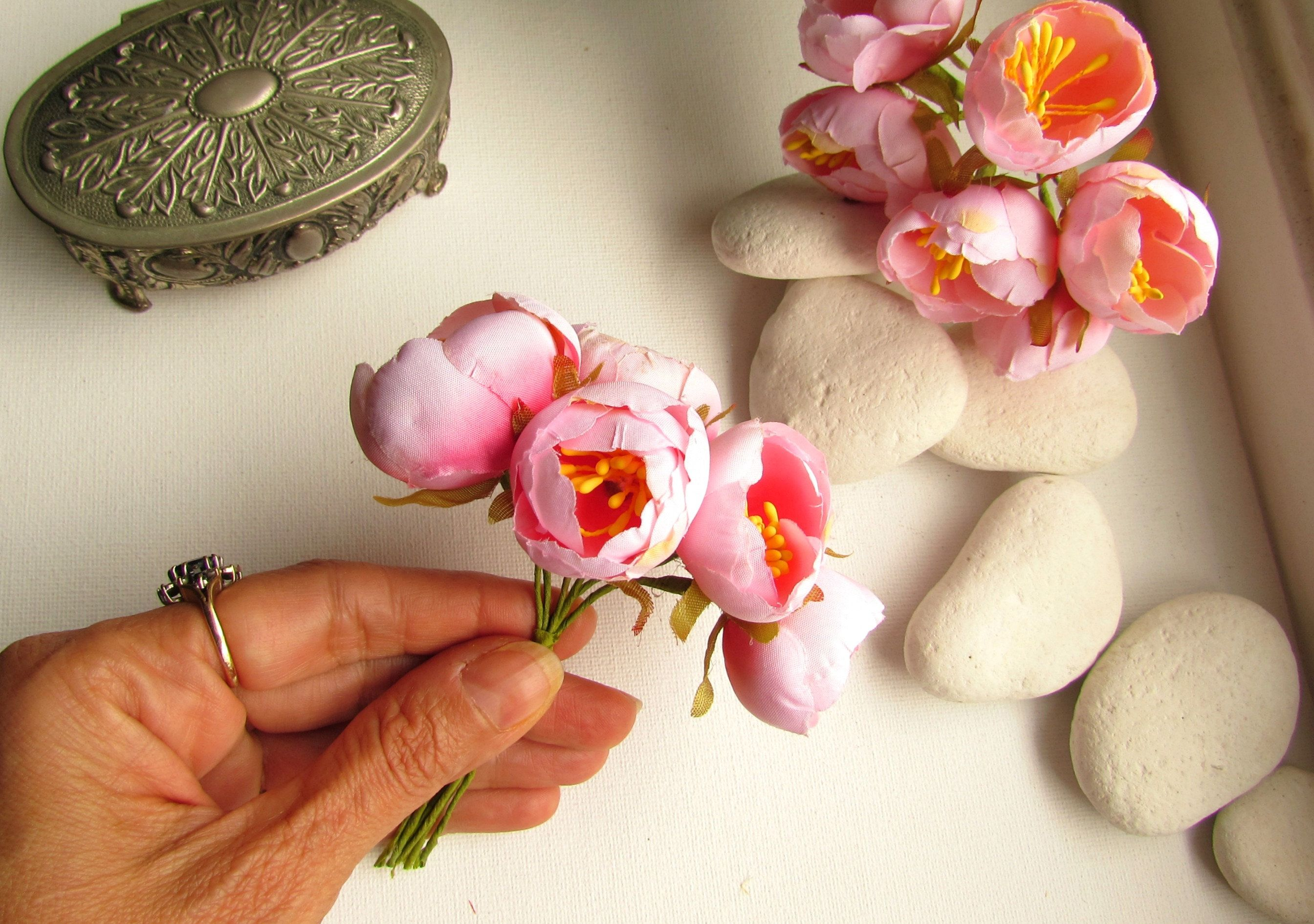 12 Small Artificial Cabbage Roses Blush Pink Peony Flower Etsy Small Flower Arrangements Pink Peonies Blossom Flower