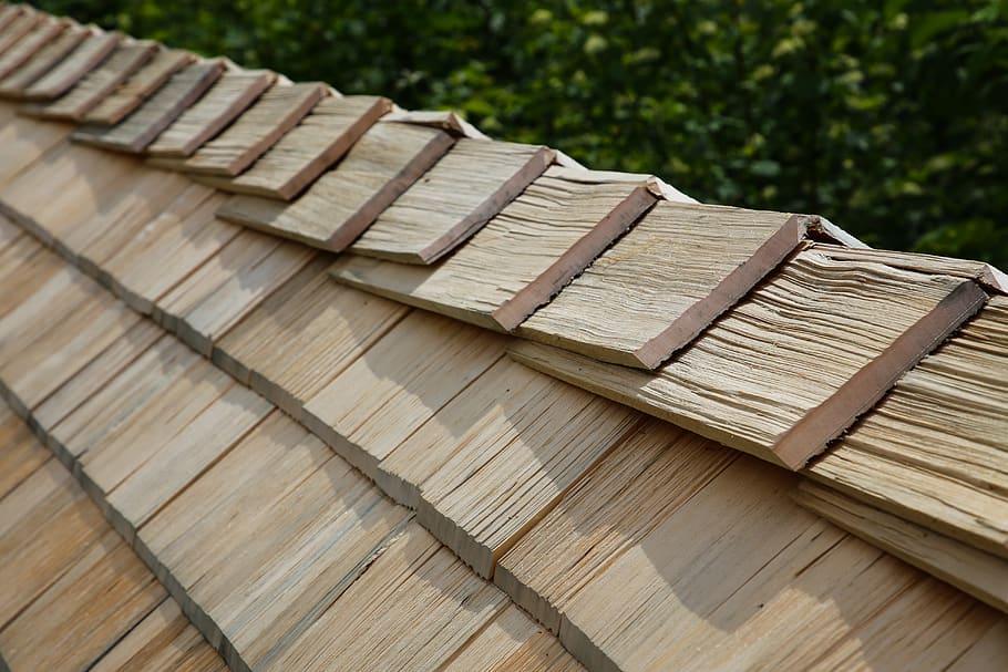 Wood Shingles Roofing Roof Ridge In 2020 Wood Shingles Roof Installation Roof Shingles