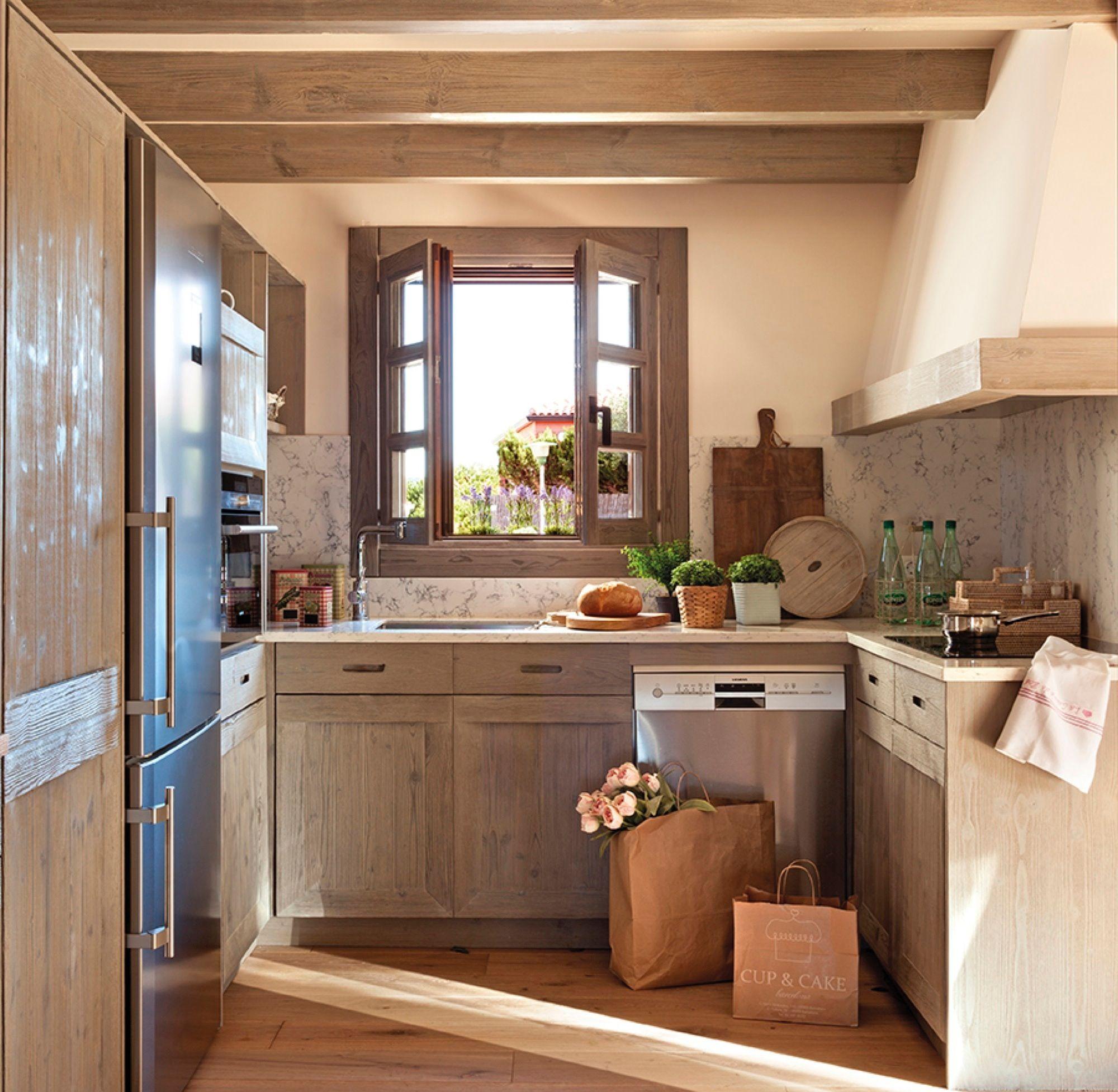 En verde una cocina peque a y muy luminosa cocinas - Fotos de cocinas pequenas y modernas ...