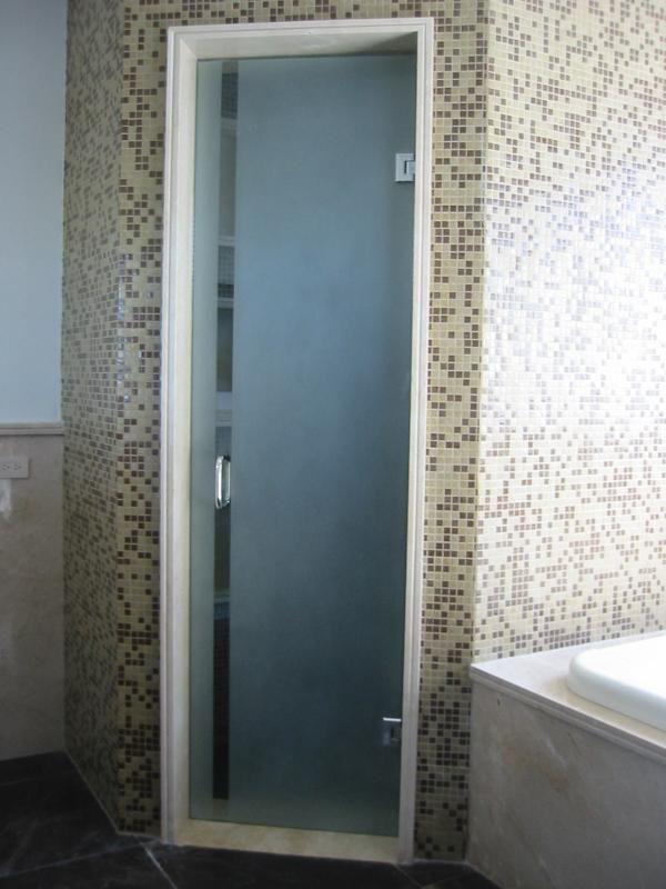 puertas para bao batientes si de elegancia se trata las puertas batientes de cristal templado