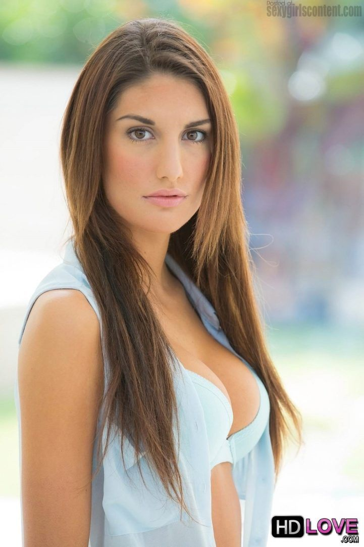 August Ames Face