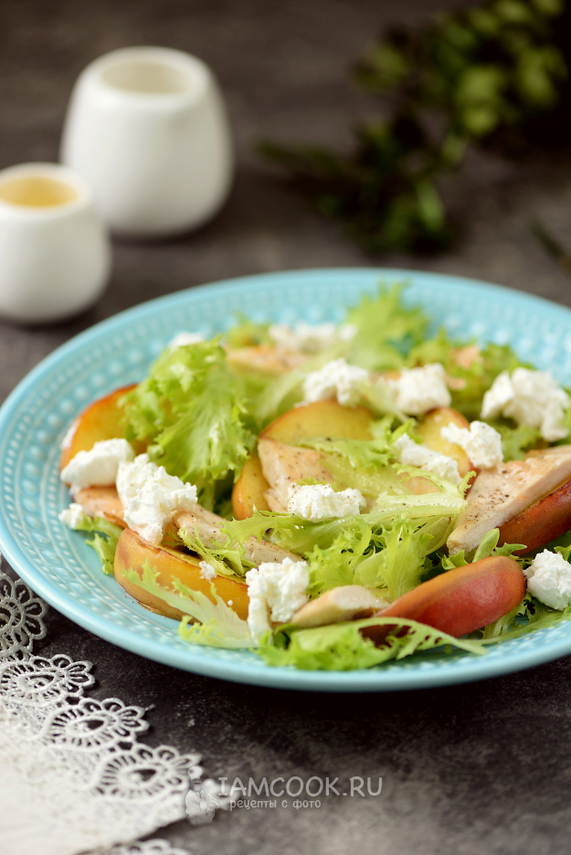 Салат с персиком и курицей — рецепт с фото   Рецепт в 2020 ...