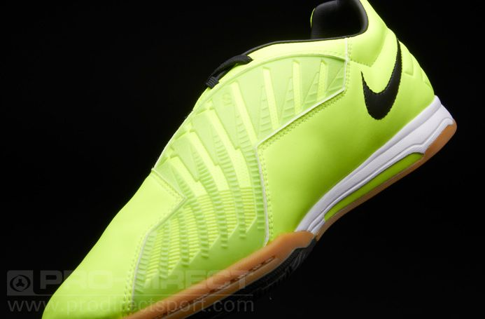 Nike T90 Shoot IV Indoor Football Trainers. The Nike T90 Shoot IV indoor  football boot