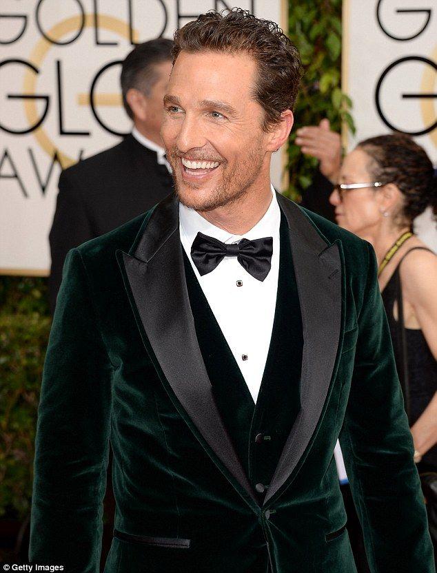 350b0e5261a9 Matthew McConaughey wears green velvet blazer to the Golden Globe ...