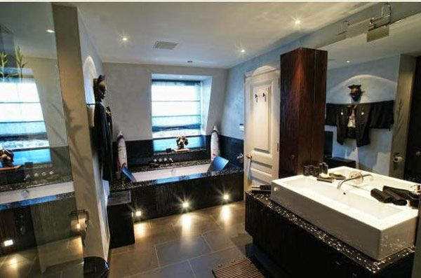 Imposing Duplex with Double Height Reception Room in London