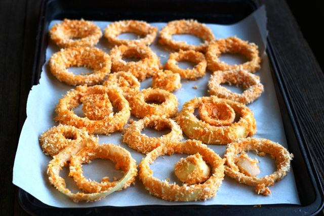 Oven Baked Onion Rings by serenityinthestorm #Onion_Rings #Healthy #Vegan