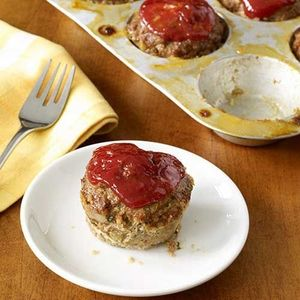 Make a mini meatloaf for dinner tonight ground beef for Hamburger dinner ideas for tonight