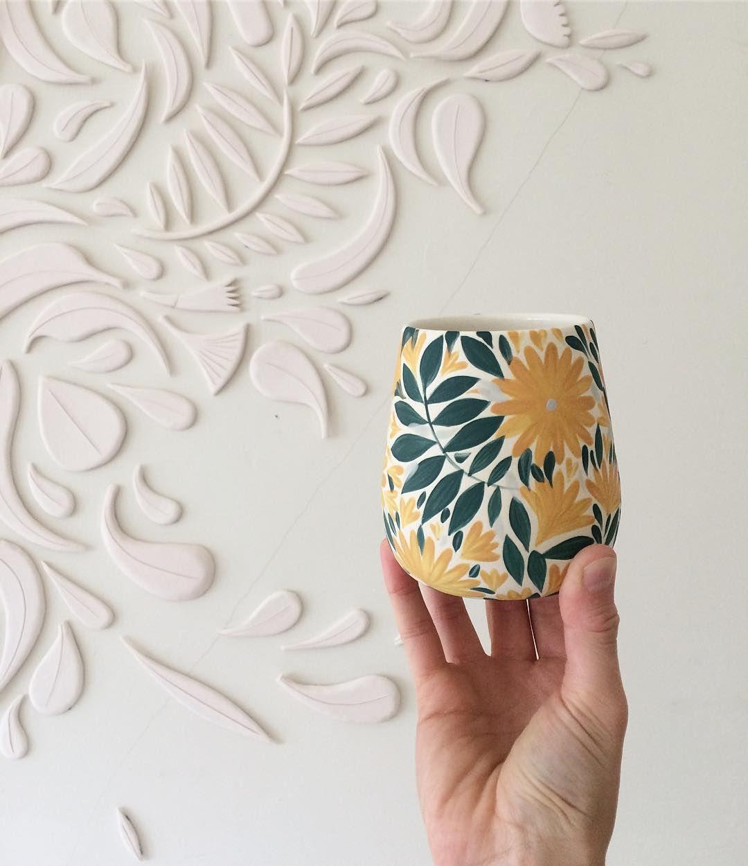 Swirl it together, no boundaries 🌿🌼✨ . . . . #anastasiatumanova #botanicalceramics #ceramics #keramik #porcelain #illustratedceramics…