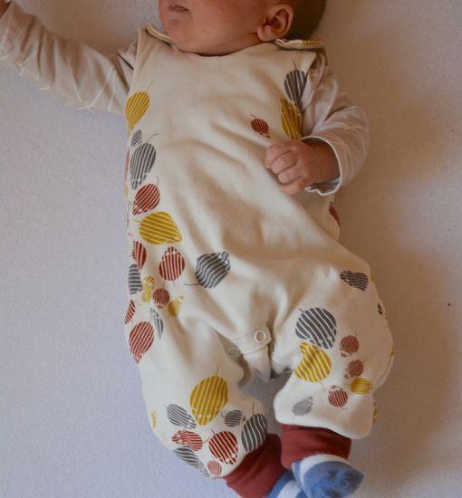 Kostenloses schnittmuster für baby strampler