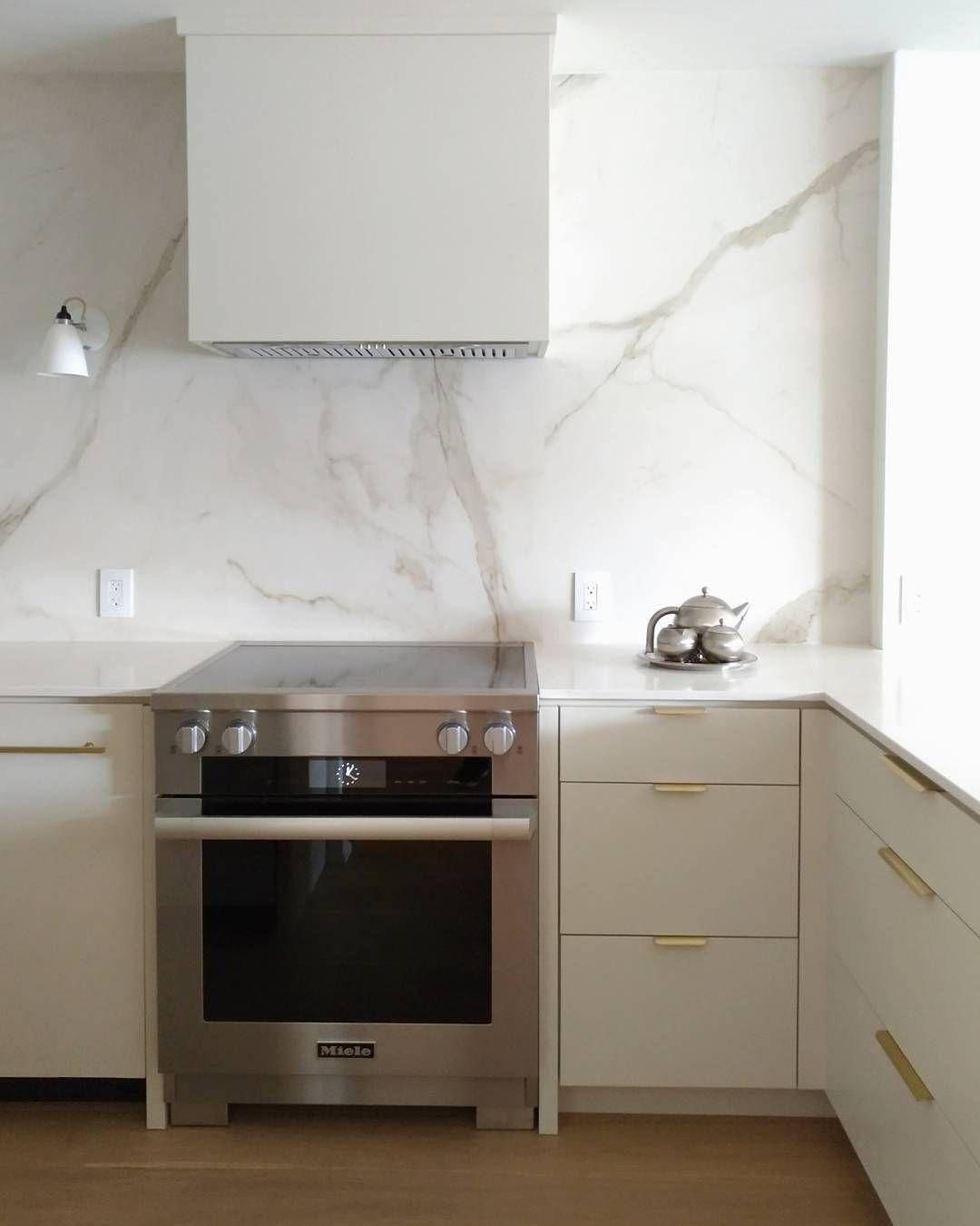 Cabinets: BM Halo Porcelain slab backsplash   Kitchen Beauty   Pinterest