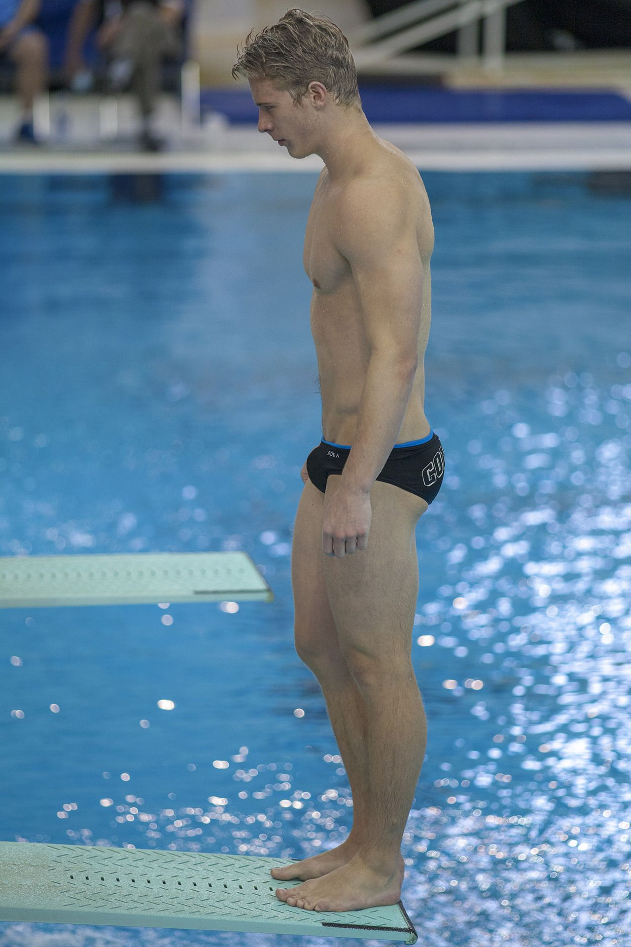 13c98ba38c1a7 Hot swimmer with lean build and small bulge in Speedos. More hot men  @Adamb18