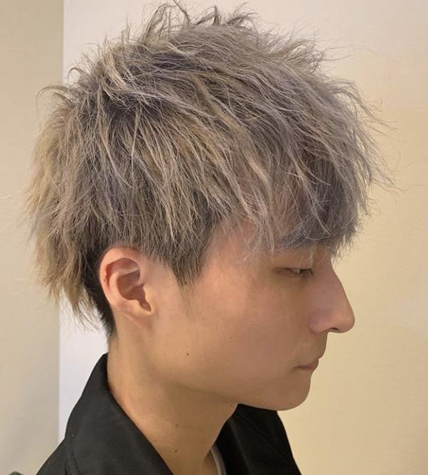 優しさ冬質感 プライマルs字マッシュ グランジツーブロック ルーズショートヘア メンズ ヘアスタイル 男性の髪