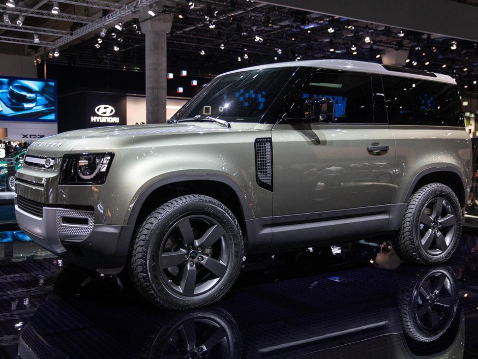 2020 Land Rover Defender looks like an angry little