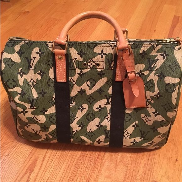 8fdd6ddef33a Authentic Louis Vuitton Monogramouflage Speedy 35 Authentic pre owned  limited edition Takashi Murakami Monogramouflage Speedy 35 Good condition  (See ...