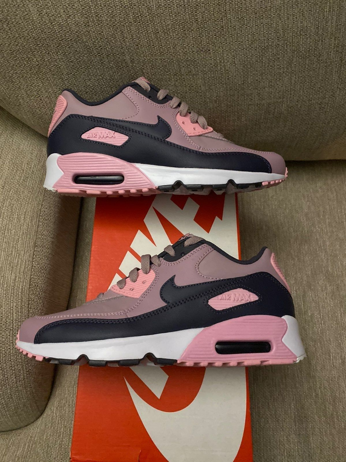 womens size 7 in youth nike