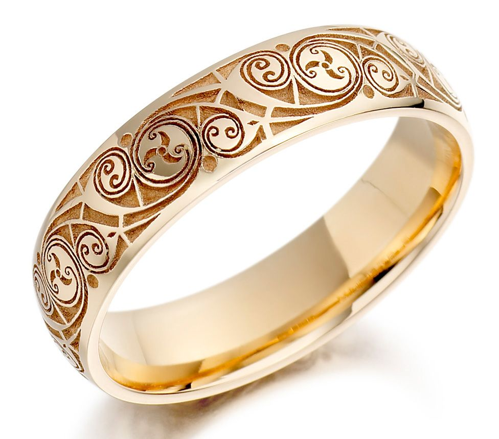 Gold engagement ring for women