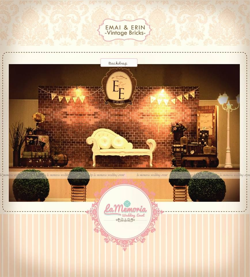 Vintage RusticThemed Photobooth By La Memoria Wedding Event Rustic Vintagewedding Decor Backdrop Pelamin
