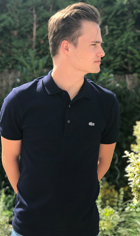 f9164f6a31cb8 This Lacoste polo is for mens and women. This is the outfit every men  needs. This sport polo is dark blue and definitely a big recommendation.