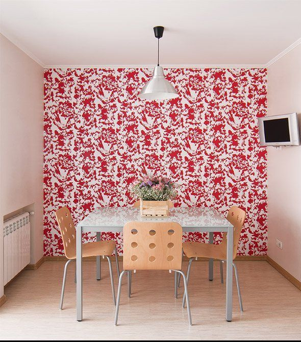 Dining area with a wallpapered feature wall | IKEA FAMILY live ...