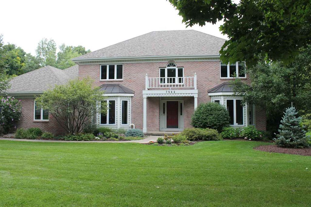 See What I Found On Zillow Http Www Zillow Com Homedetails 55391411 Zpid House Styles Madison Red Fox