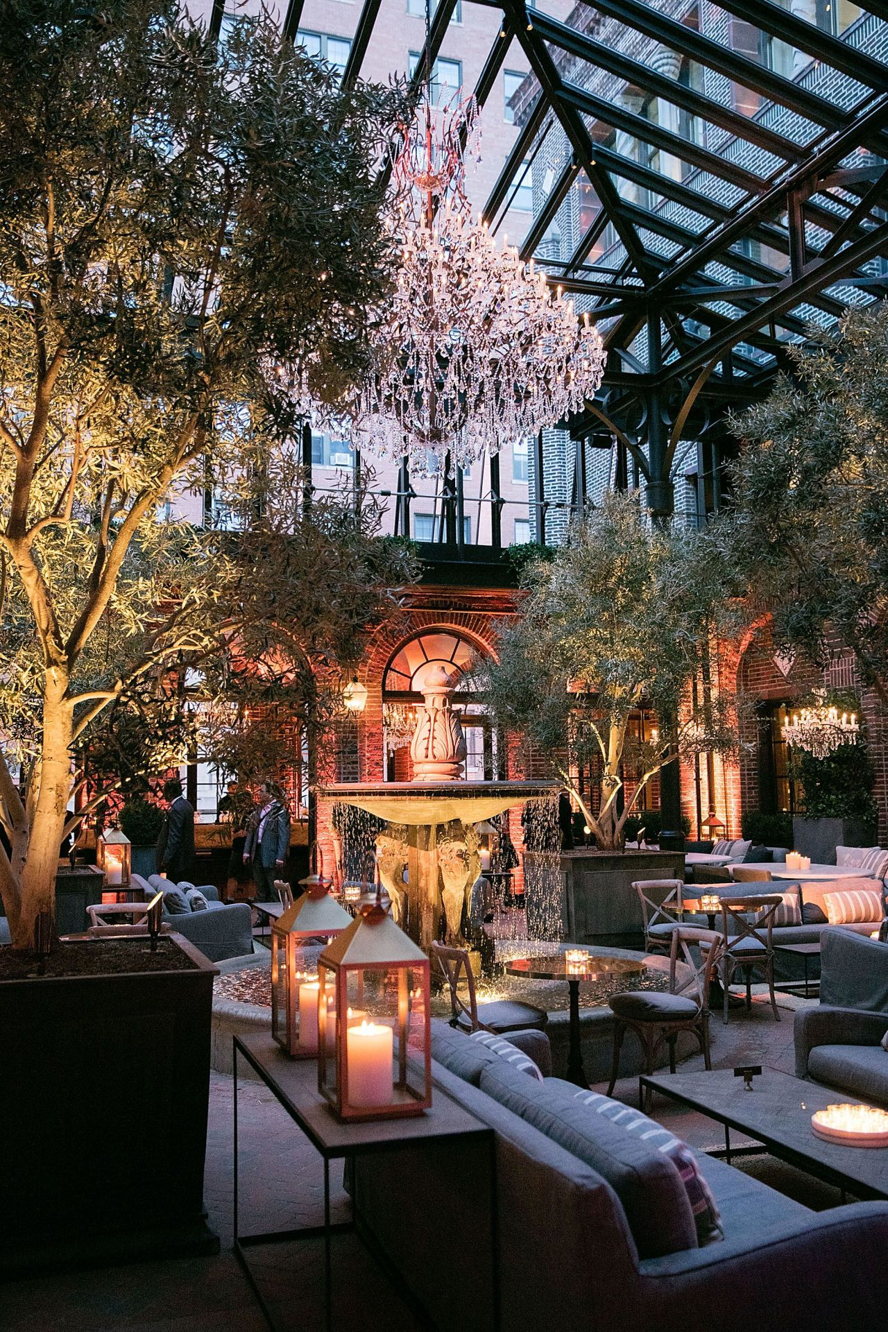 Restoration Hardware Cafe : Chicago welcomes a new restoration hardware outpost wine