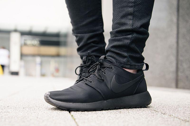 c8f53191689 Easy | Kicks | Nike shoes cheap, Adidas sneakers, Black nikes