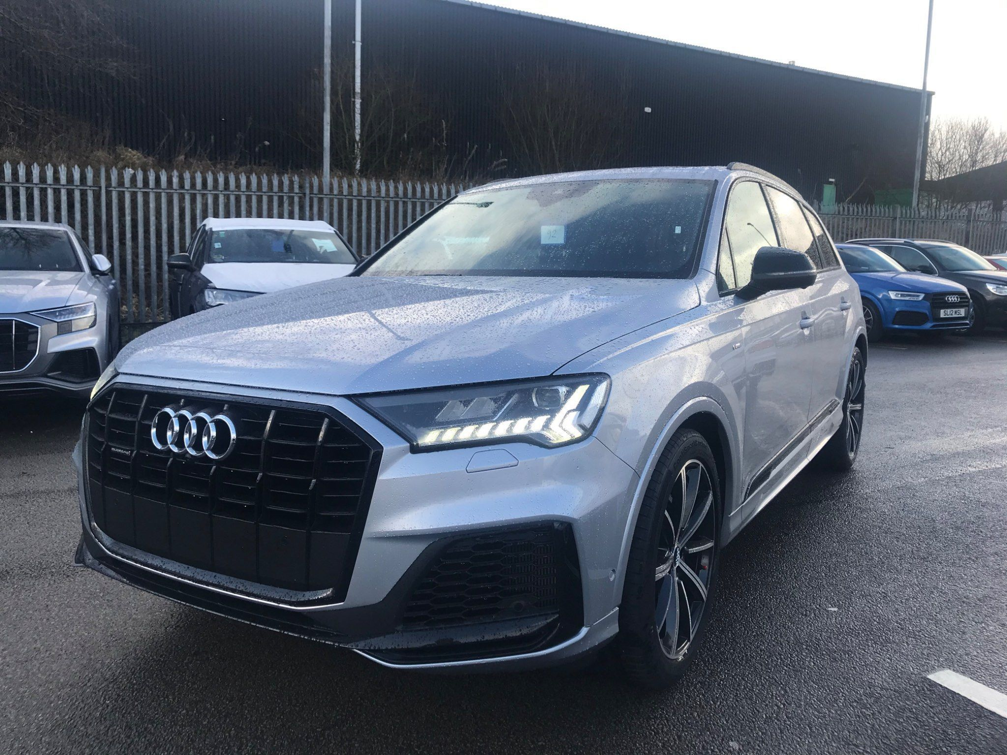 Audi Q7 3 0 Tdi V6 50 Black Edition Tiptronic Quattro S S 5dr In 2020 Audi Q7 Audi Black Edition