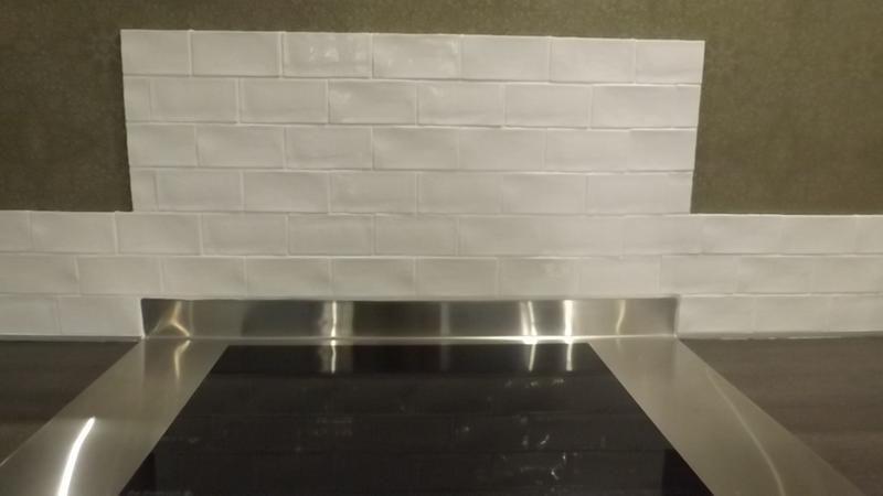 Faience Mur Blanc Bakerstreet L 7 5 X L 15 Cm Leroy Merlin 25 Mur Blanc Carrelage Faience