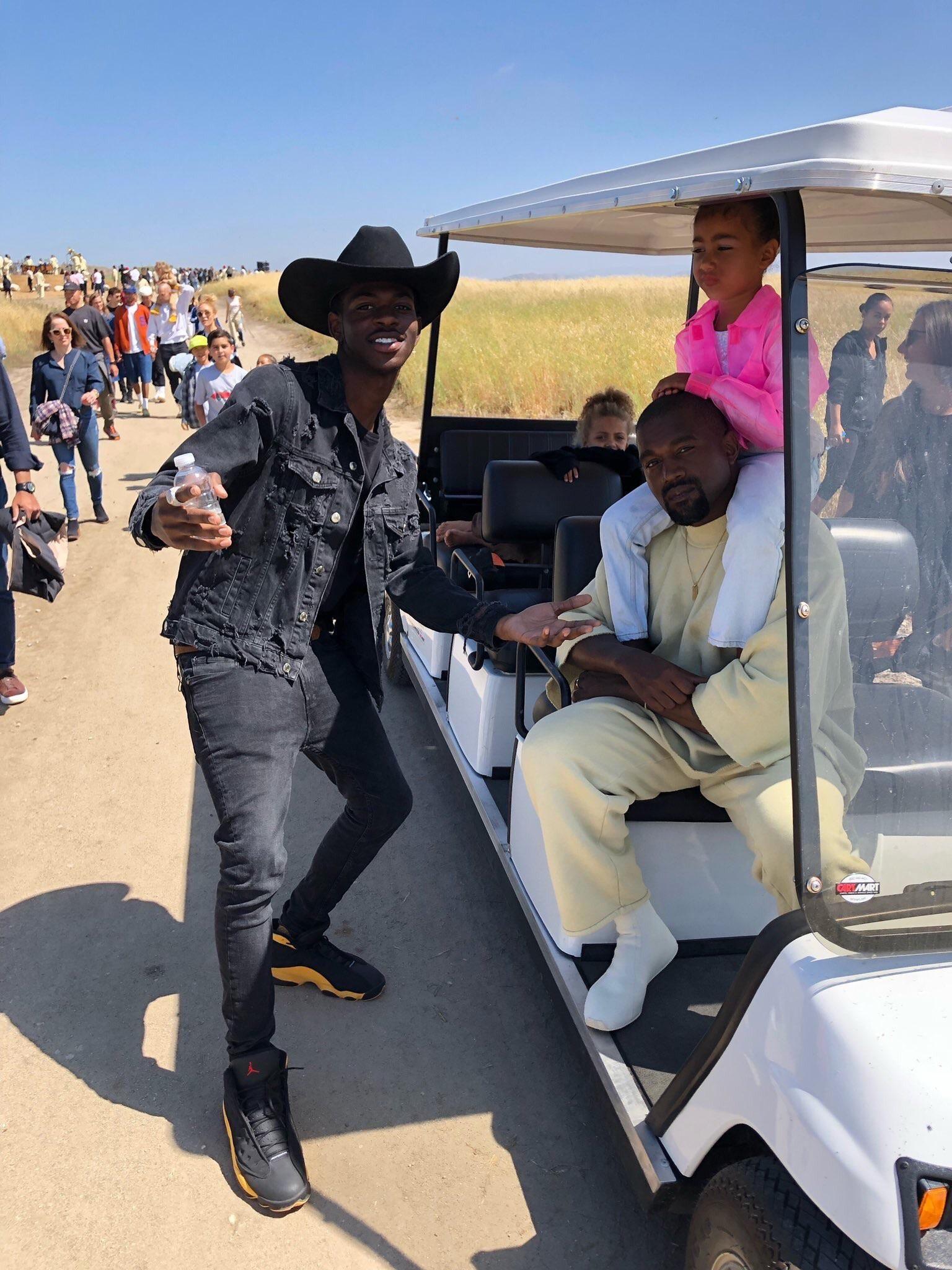 PsBattle: Lil Nas X and Kanye West | Kanye kid cudi, Kanye
