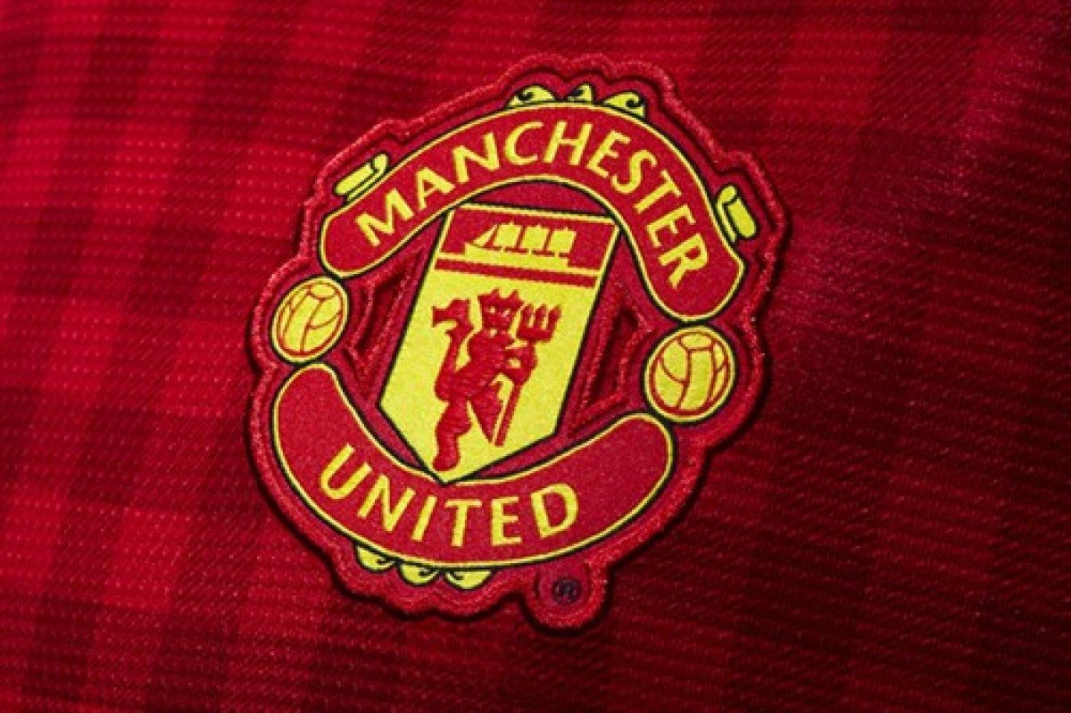 Manchester United Crest Manchester United The Unit Manchester United Home Kit