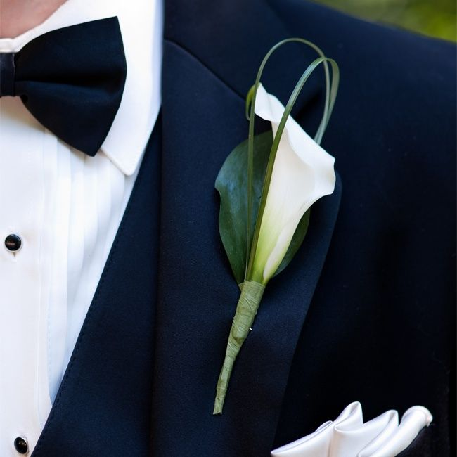 White Calla Lily Boutonniere // Jenny DeMarco Photography //  Boutonniere: Bouquets Of Austin // http://www.theknot.com/weddings/album/a-romantic-outdoor-wedding-in-austin-tx-137404