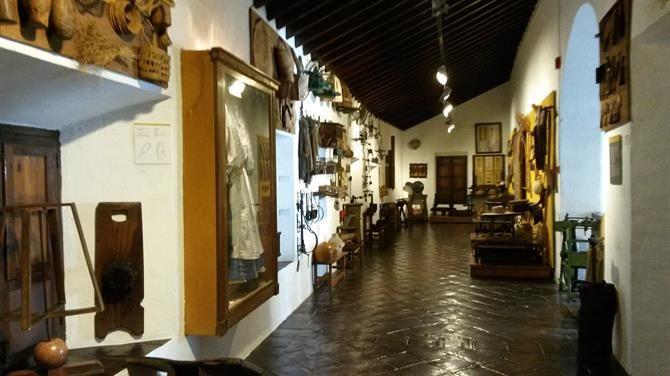 Museo de Artes y Costumbres Populares - På kanten af Malagas historiske centrum ligger museet for kulturhistorie og håndværk. #museum #malaga #