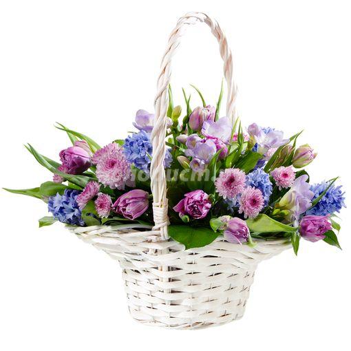 Piękny kosz kwiatów dla rodziców