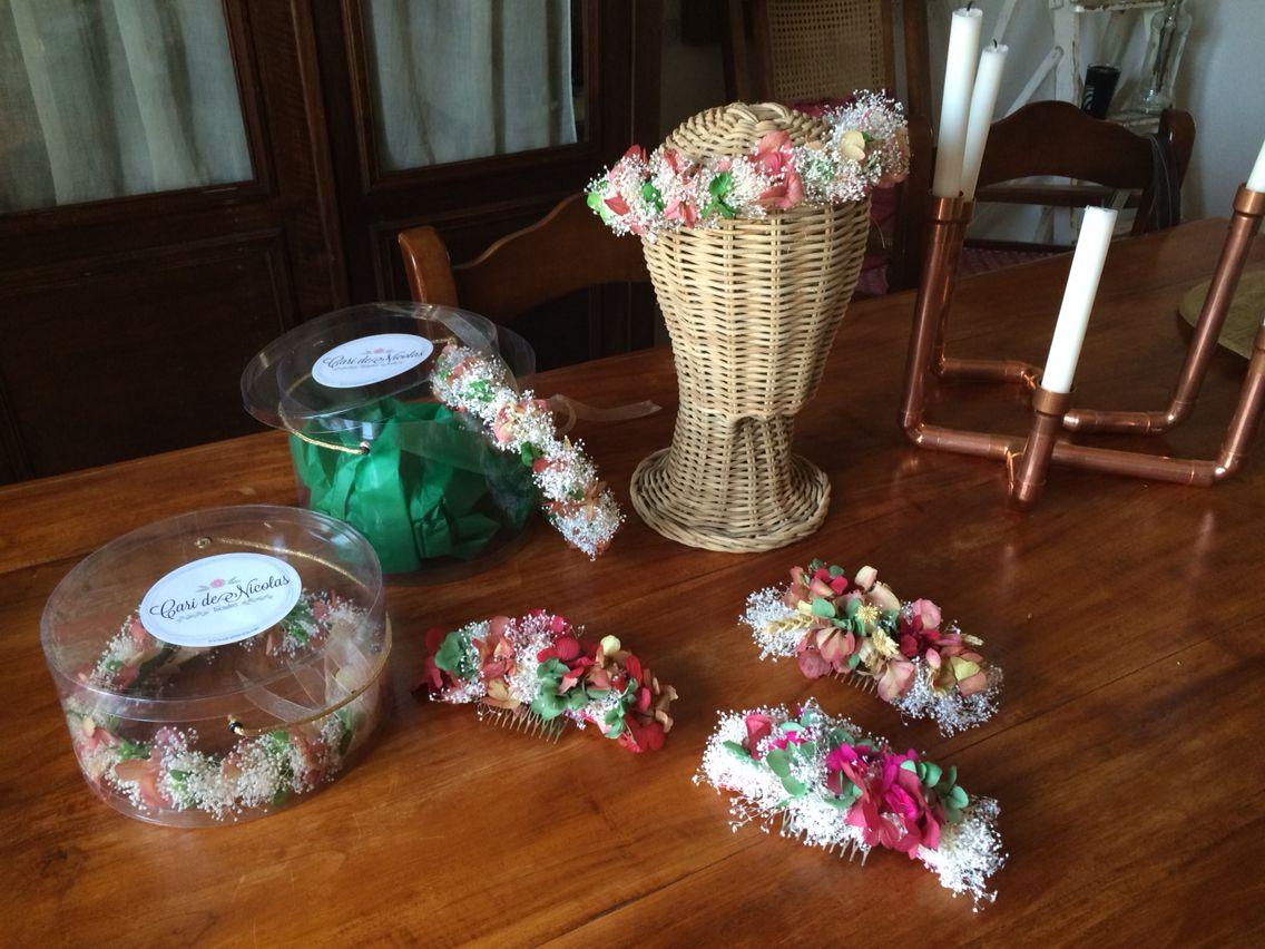 Coronitas damitas y peinas de flores preservadas #carideNicolasTocados www.caridenicolas.com