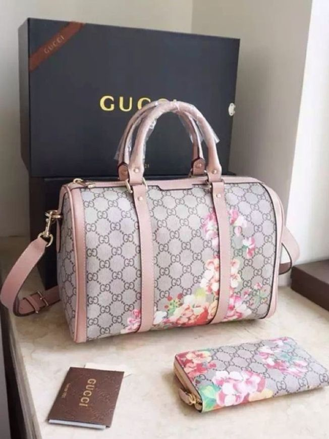 c8d87ef3db8 Pin by Dede on Bags | Bags, Gucci handbags, Bag accessories